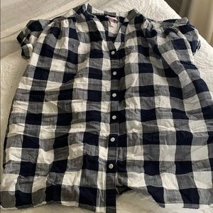 Ingrid & Isabel maternity gingham button front top